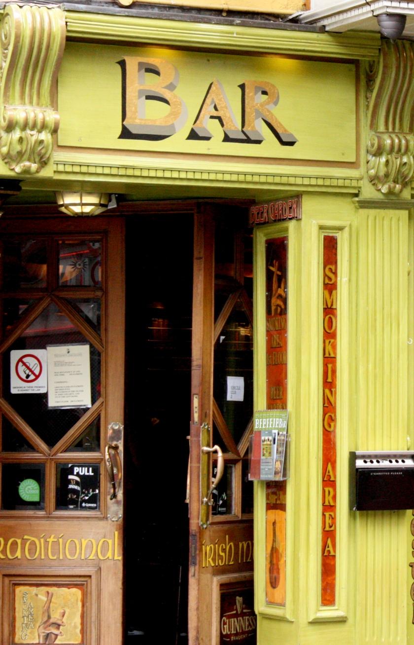 IrishPubDoors20090407_90.jpg