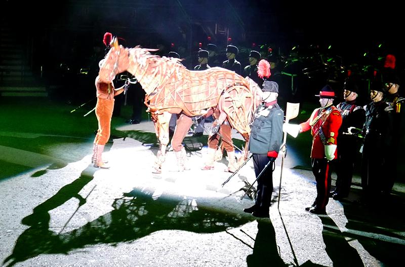 horsepuppet-militarytattoop1000101-800