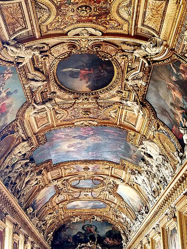 Louvre-800