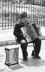 monochrome-musician-20170410_172933-800