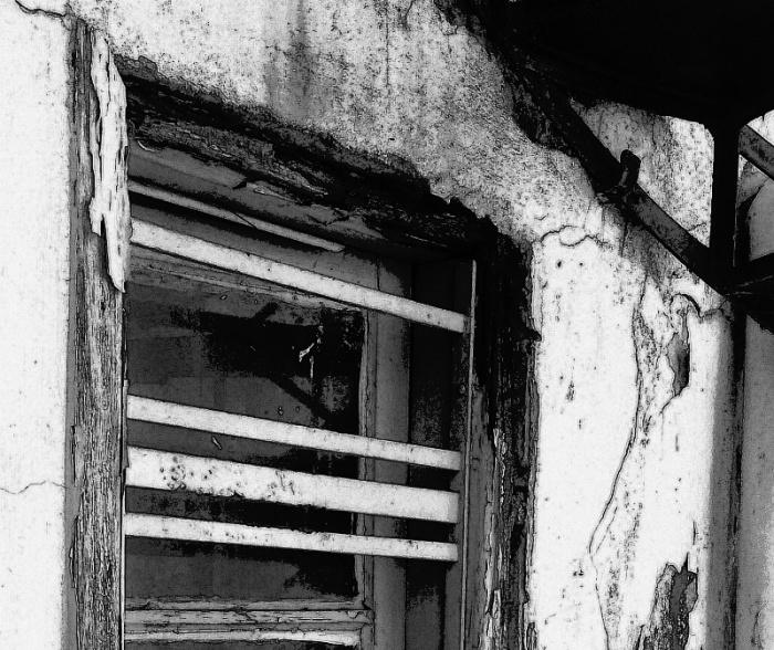 monochrome-window-3-20170409_193743-800.jpg