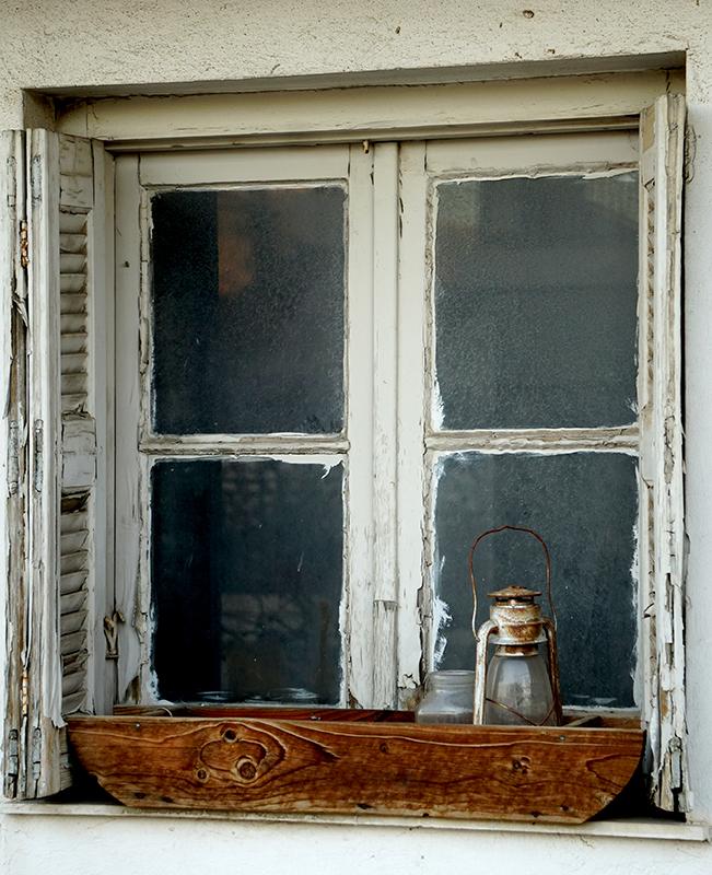 window-800-DSC00032