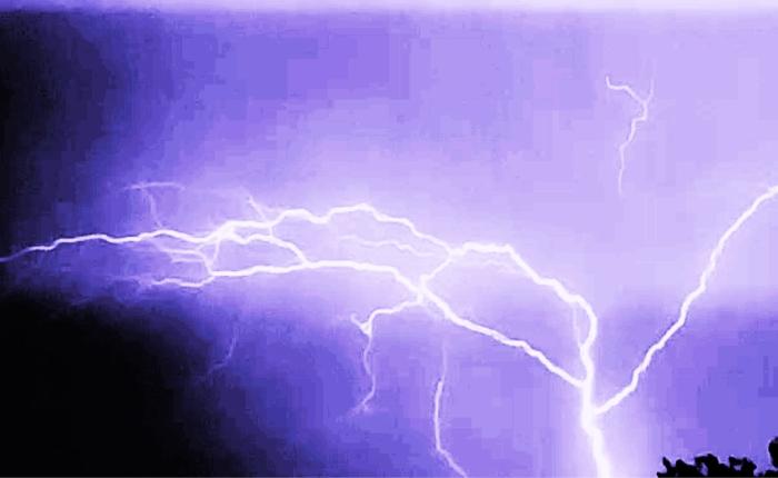 lightningstrike-1