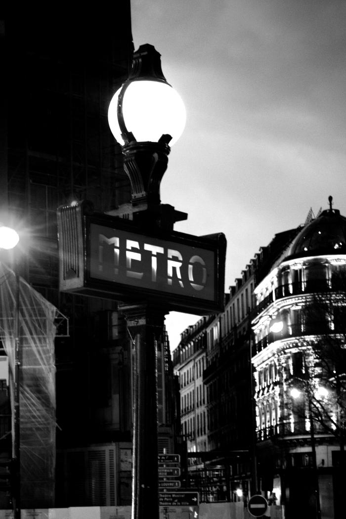 ParisLight1040448