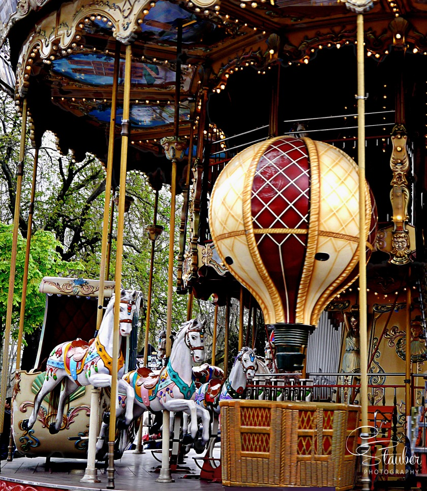 00-ParisCarousel-P1040280-C