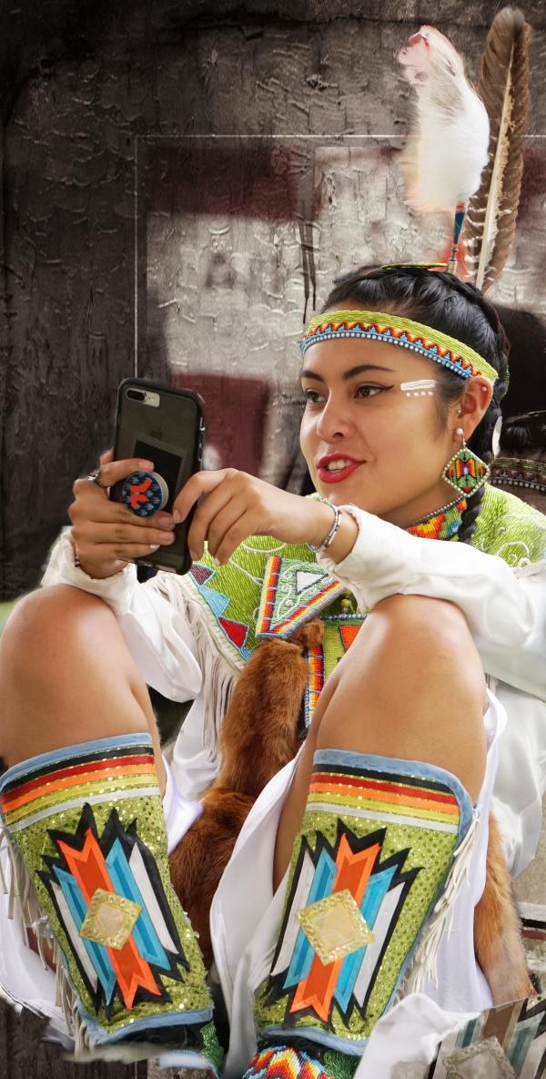 00-girl-powwow-cellphone-DSC02893_A.jpg