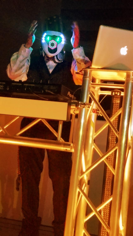 00-DJ-party-20171005_205613_A