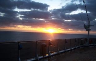 00-sunriseonshipPhotoA