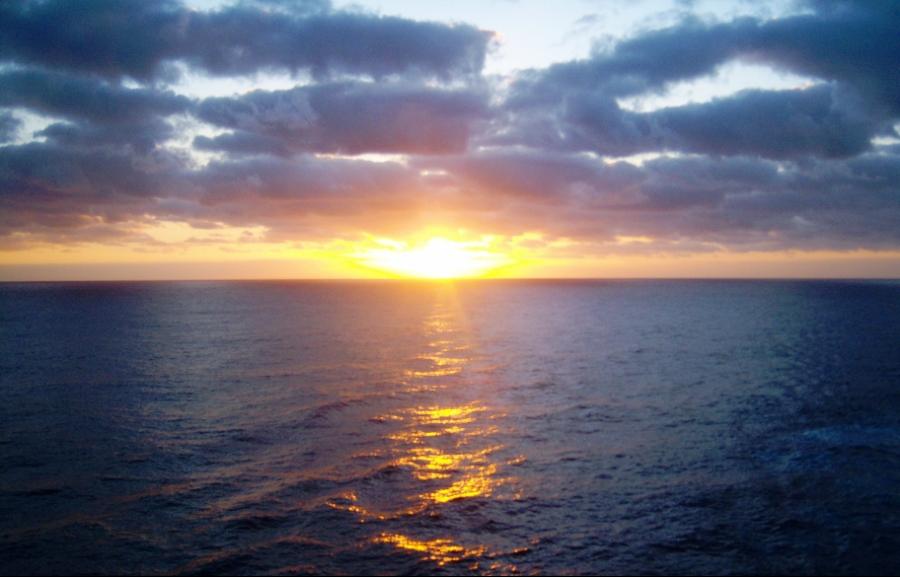 00-cruise-sunrise100_1629_A900