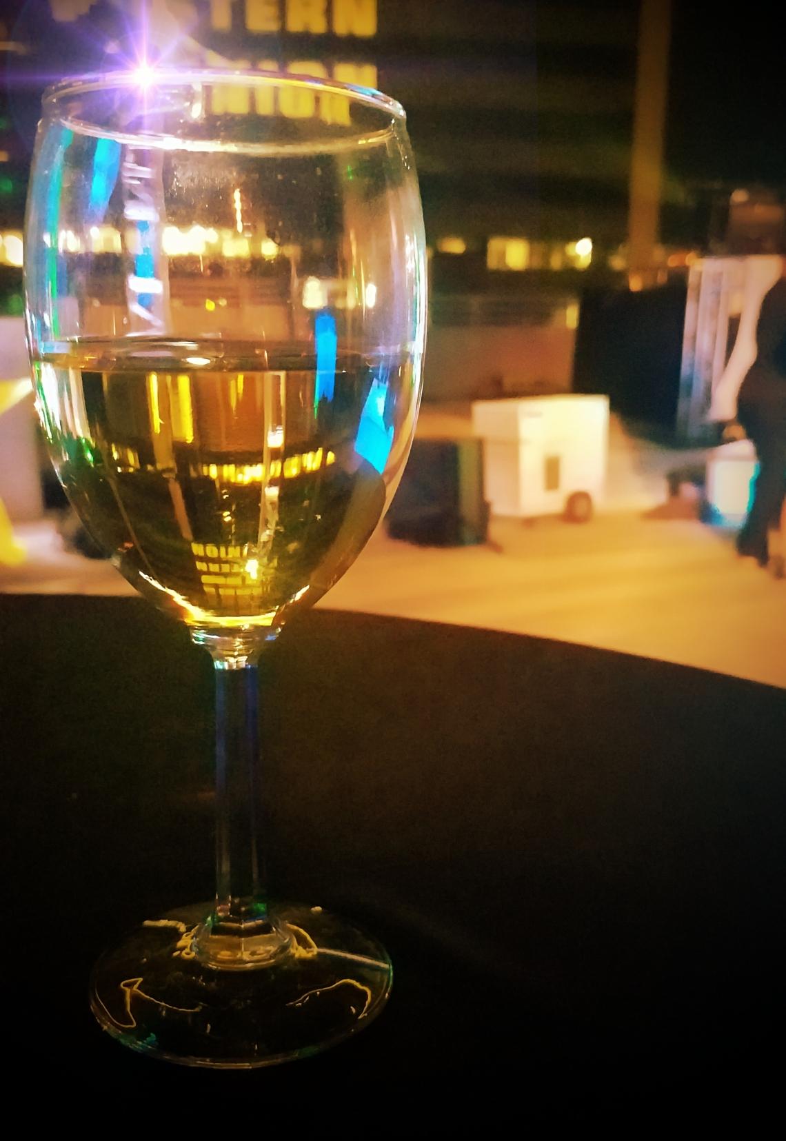 00-wine-treat-20171005_212437_37266087990_o_pe