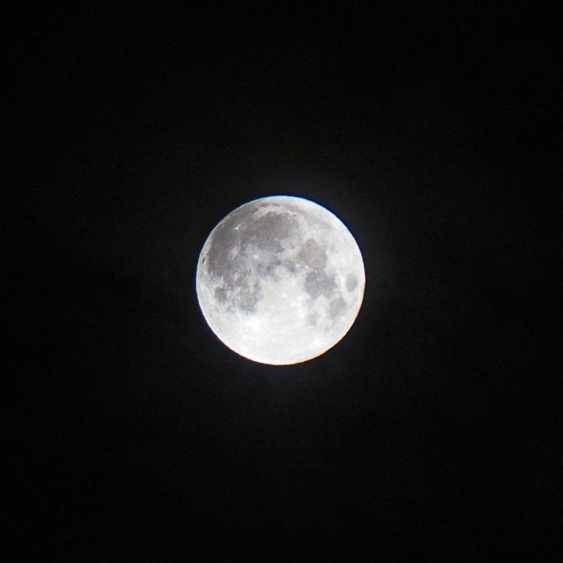 DSC04375-lunar-00