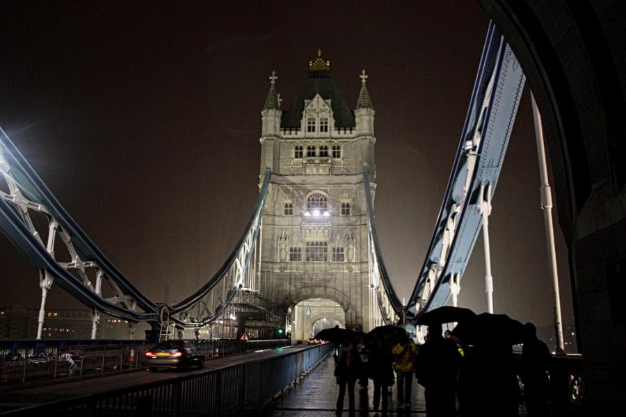 00-TowerBridgeatNightintheRain-IMG_3284_900