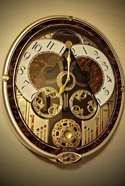 00-clock-40031069550_c