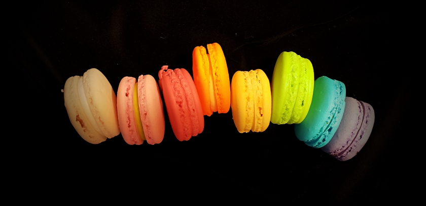 00-rainbow-macarons-20180504_174527_A