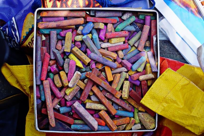 00-chalk-pile-DSC05540_A900