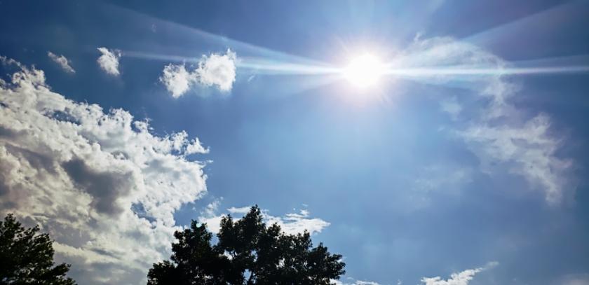 00-clouds-starburst-28733239537_A900