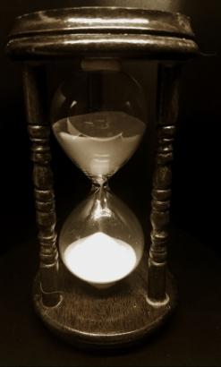 hourglass-sepia-20180214_165836_38461971570_A900_pe